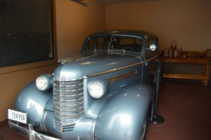 a christmas story house 1937 oldsmobile